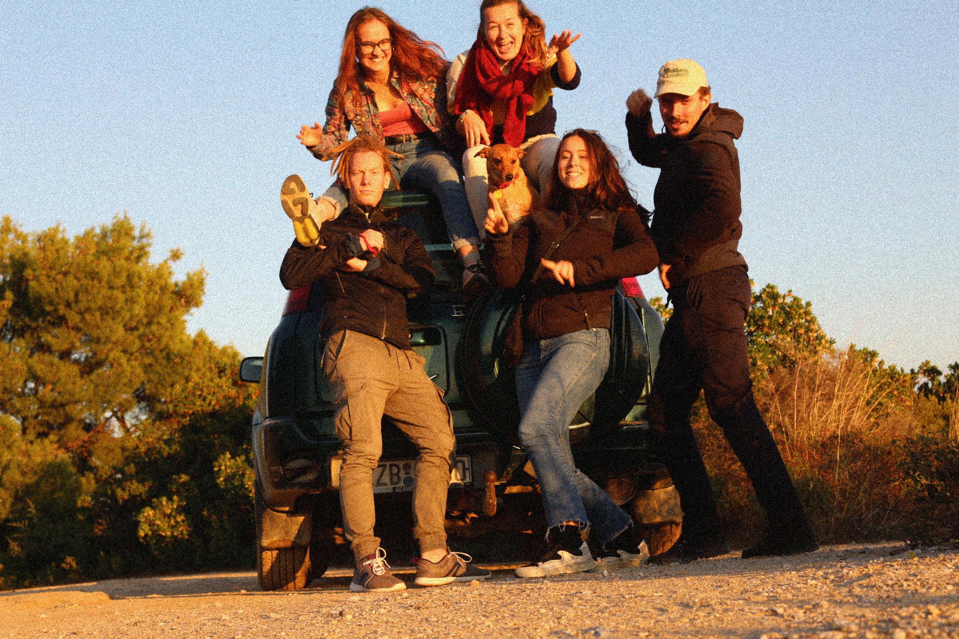 Volunteering in Greece - Joyce 'n' Fun